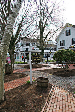 Griswold Square at the Griswold Inn